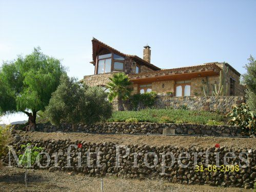 villa-arona-871-01